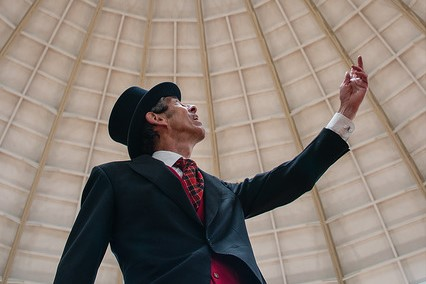 Robert Rippon Duke character tour guide under the Devonshire Dome.