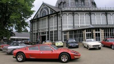 Classic cars on the Pavilion Gardens promenade