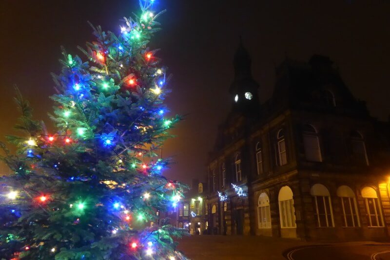 Town Christmas Tree in Higher Buxton. Image courtesy of Ali Quas-Cohen.