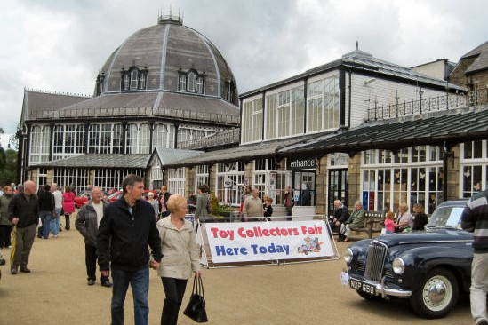 Antiques fair at the Devonshire Dome